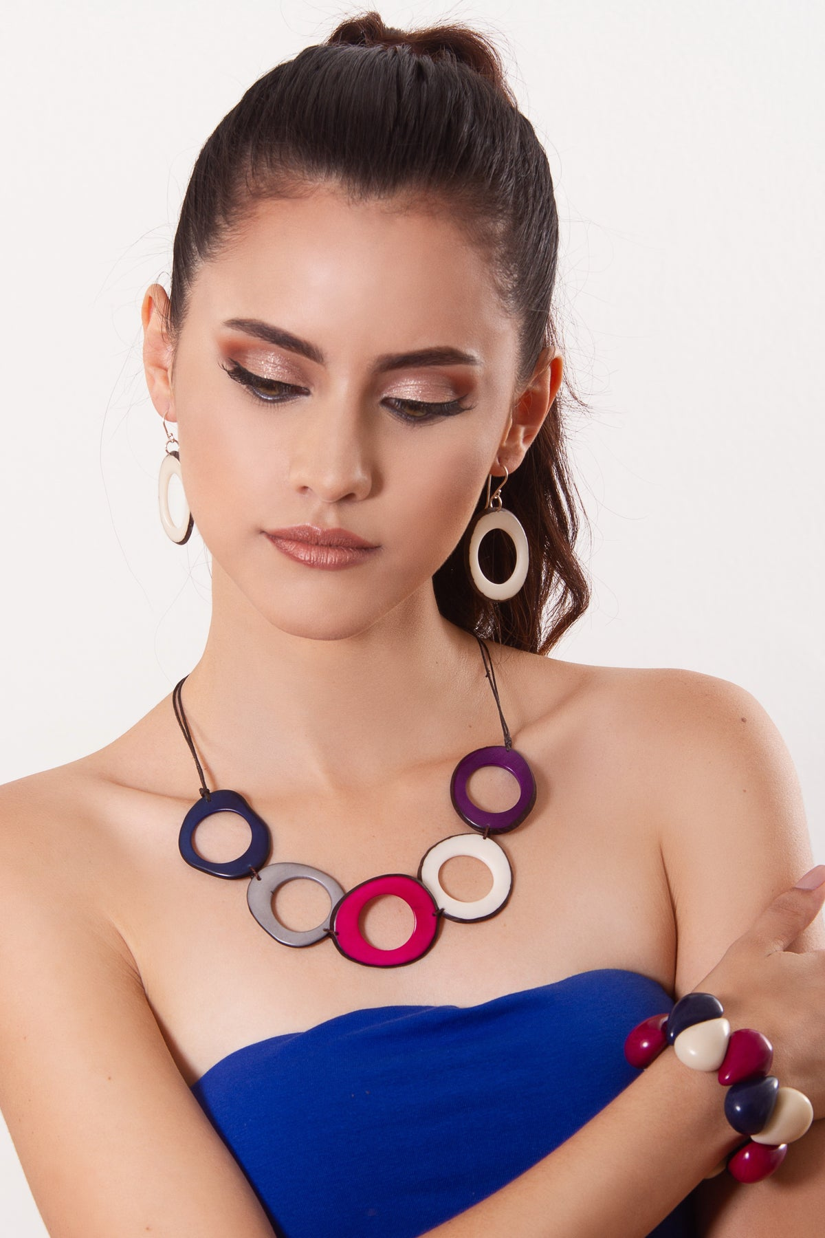 Donut Necklace - Navy/fucshia/ivory tones