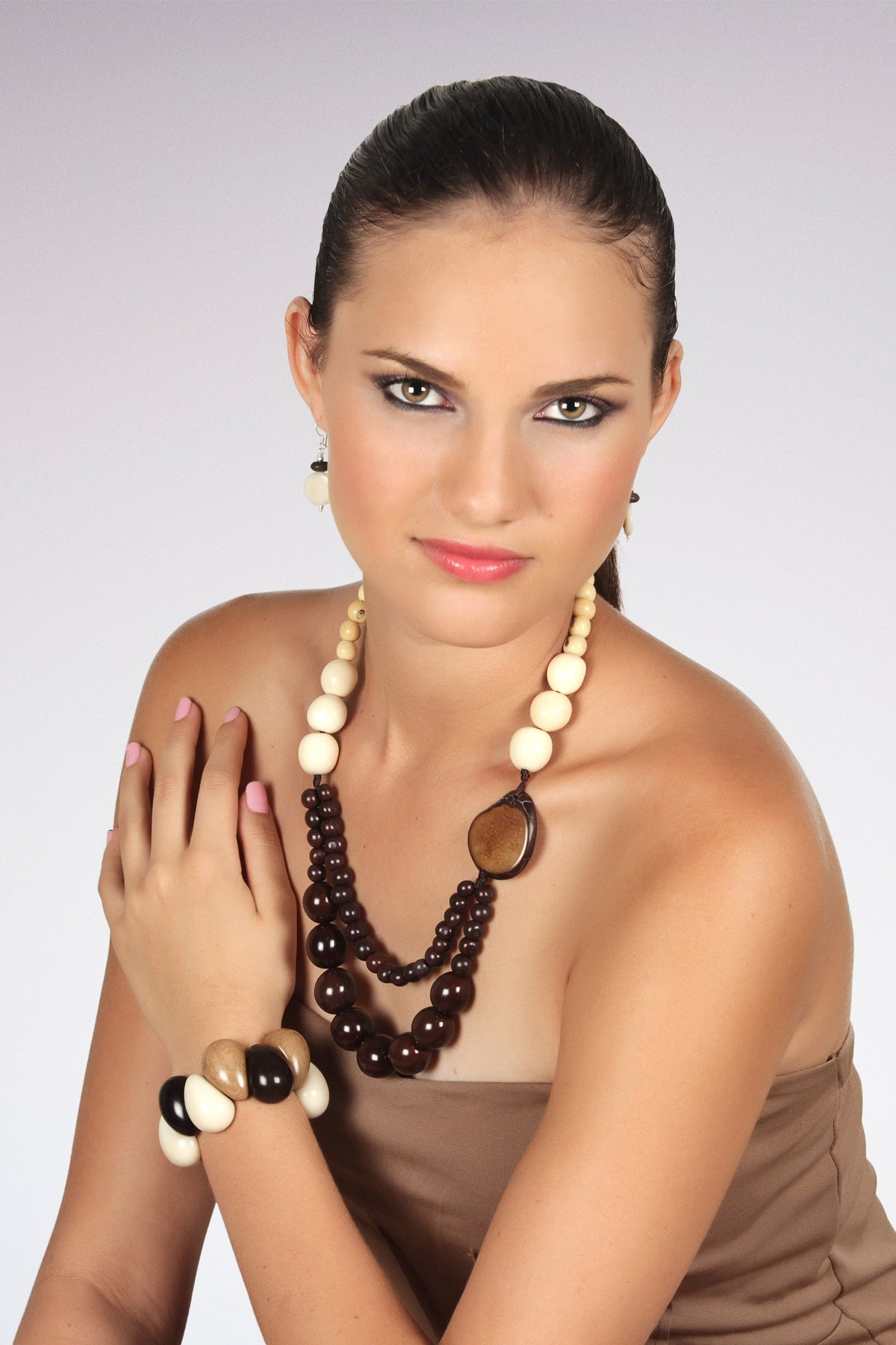 Trilogy necklace - Brown & Ivory tones