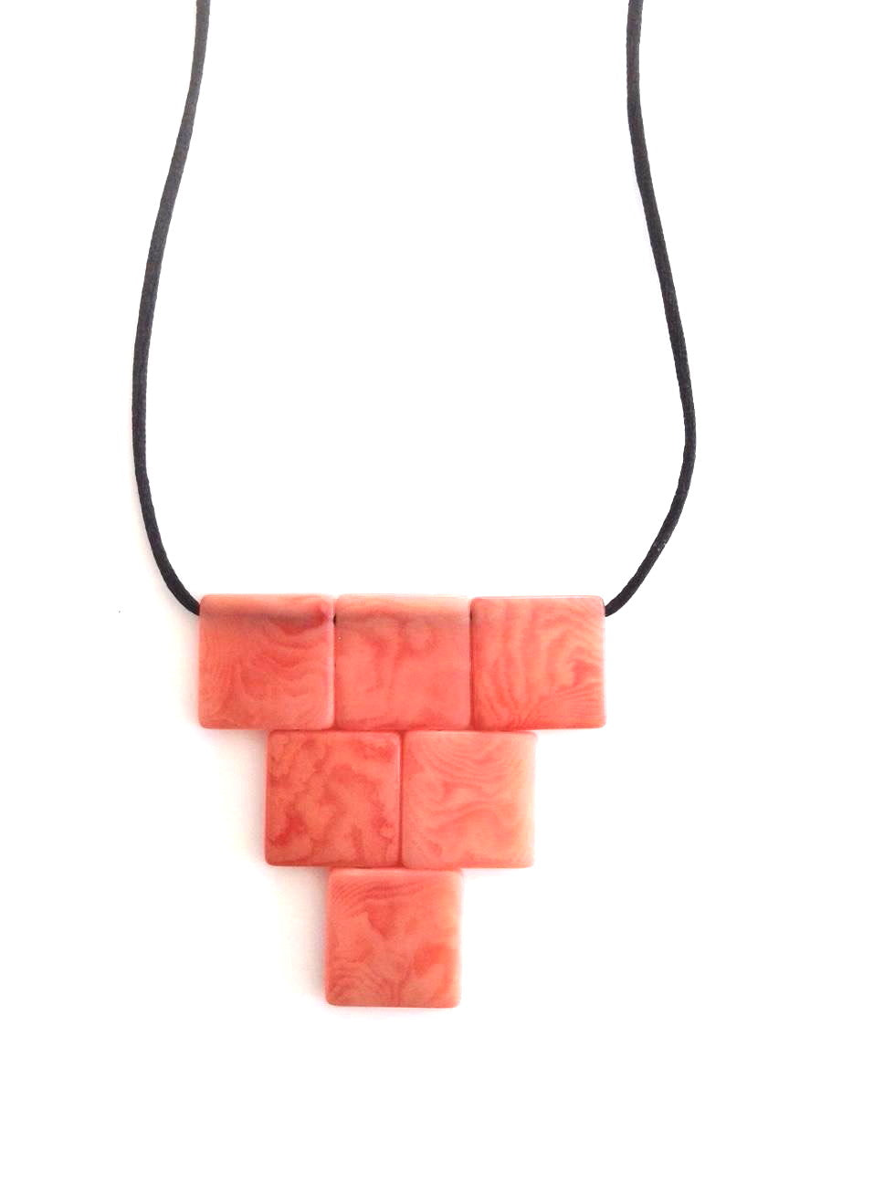 Cairo necklace - Pink Salmon