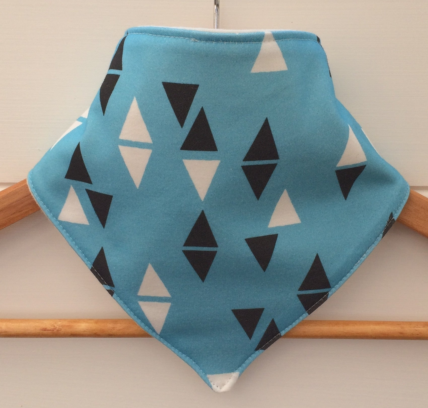Organic Bandana Bib in Blue Triangle