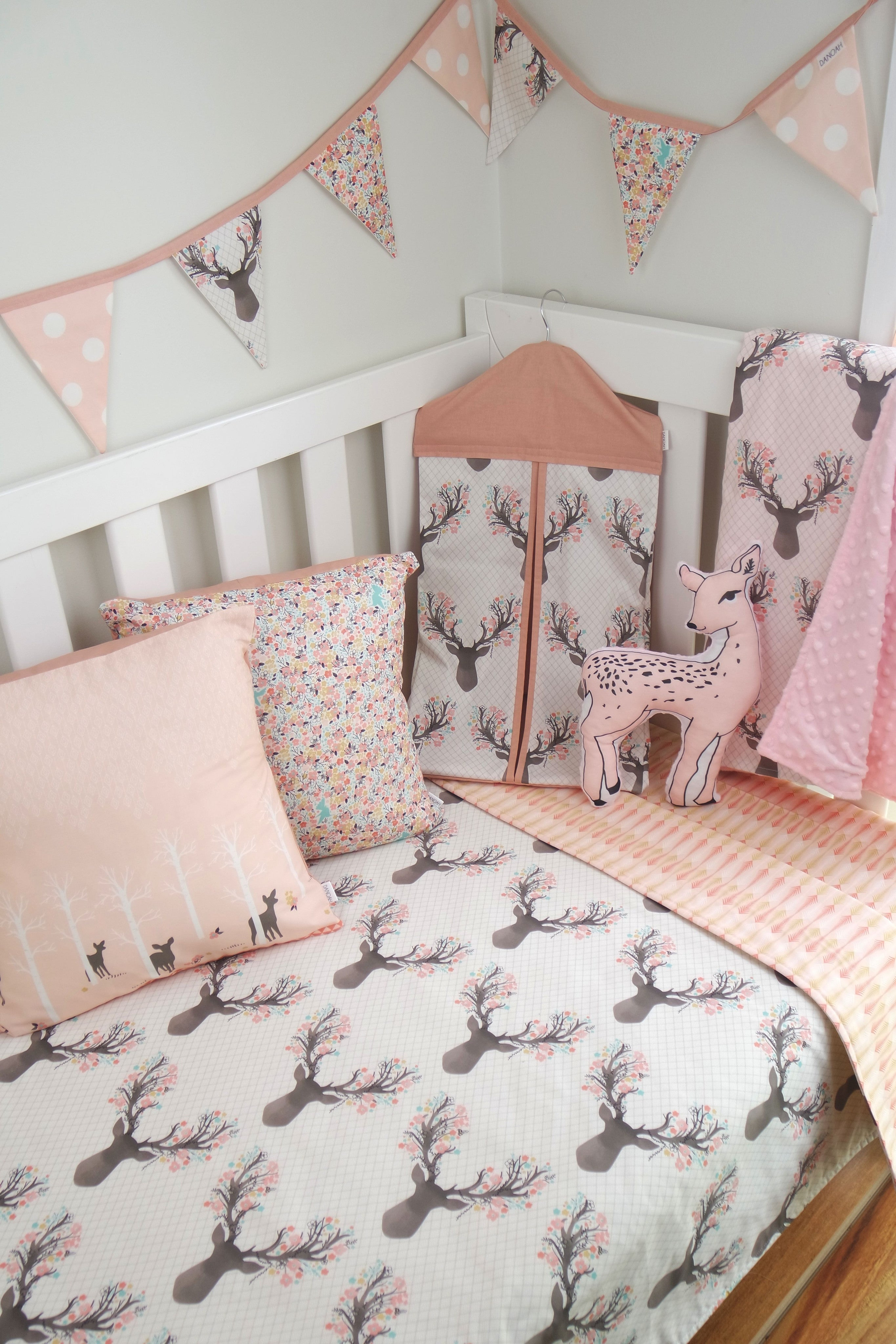 Deer Head & Pink Gold Arrow Reversible Cot Quilt