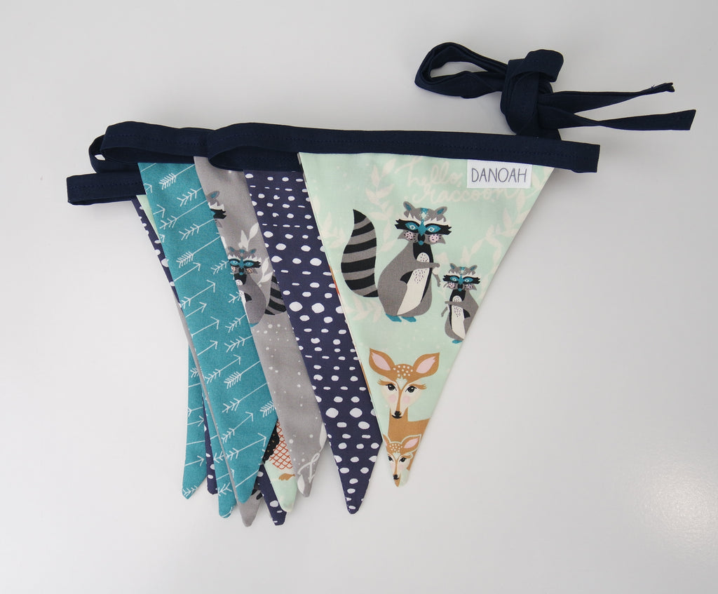 Hello Bear Woodland Bunting Flags