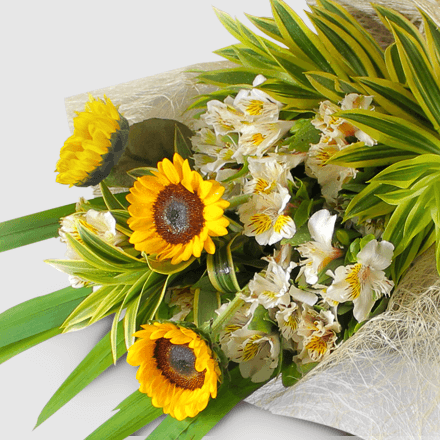 Bouquet of sunflower with alstroemeria
