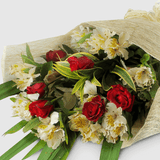 Bouquet of 6 red roses with white rados