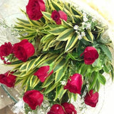 Bouquet of twelve red roses