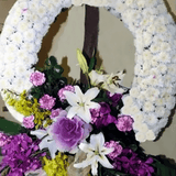 Circular wreath arrangement 1