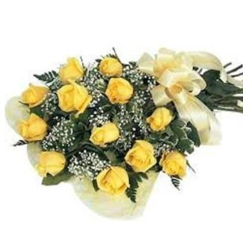 Bouquet of twelve yellow roses of world's best and Asia's finest