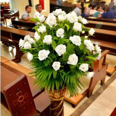 Wedding Santuario De San Antonio White Roses Arrangement Package