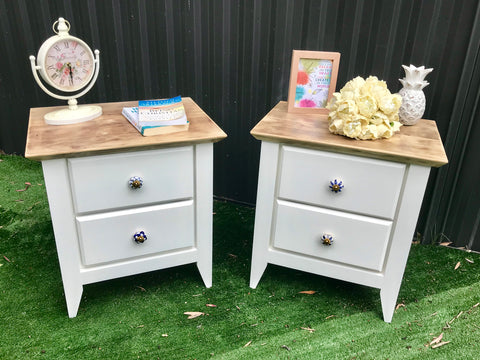 French Provincial / Coastal Bedside Tables 💙