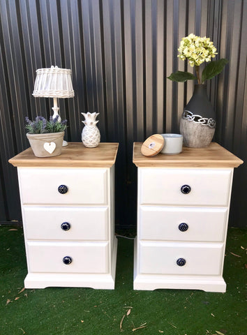 Happy Hamptons Bedside Tables 🏝