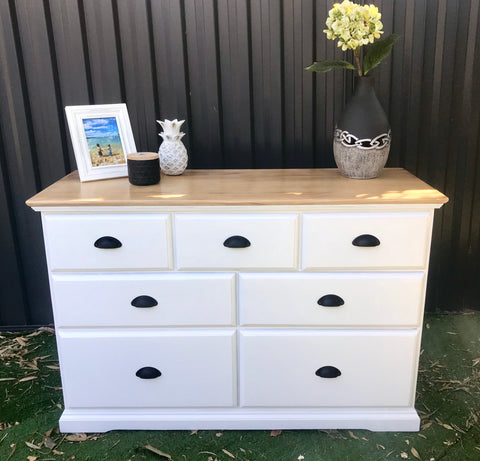 🌷Coast to Coast Hampton's Dresser🌷