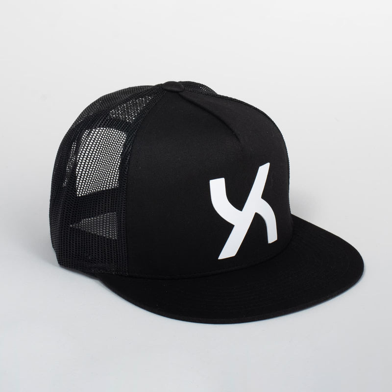 products/99-003-Cappello_Emblem_Black_Classic_Trucker_Uztzu.jpg
