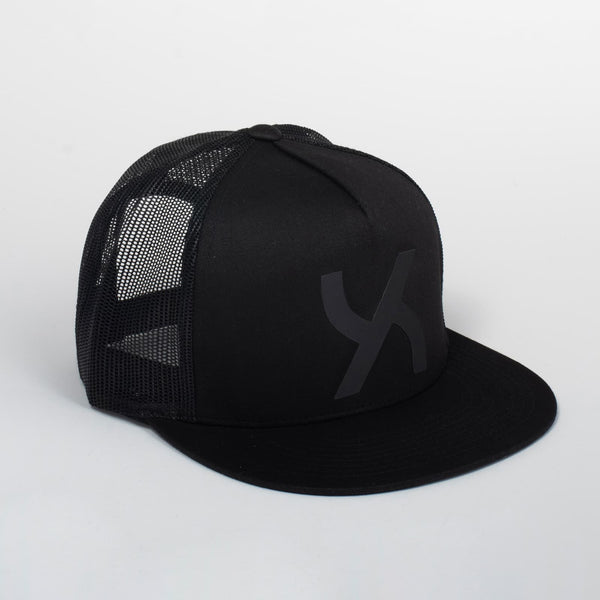 Cappello Emblem Black & Black Classic Trucker | Uztzu - Uztzu Clothing - Shop Super 4X4 T-shirts, Pants and hoodies online!