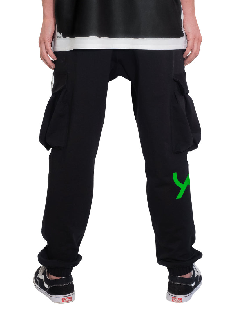 products/Uztzu-cargo-jogger-sweatpant-logo-green-11.jpg