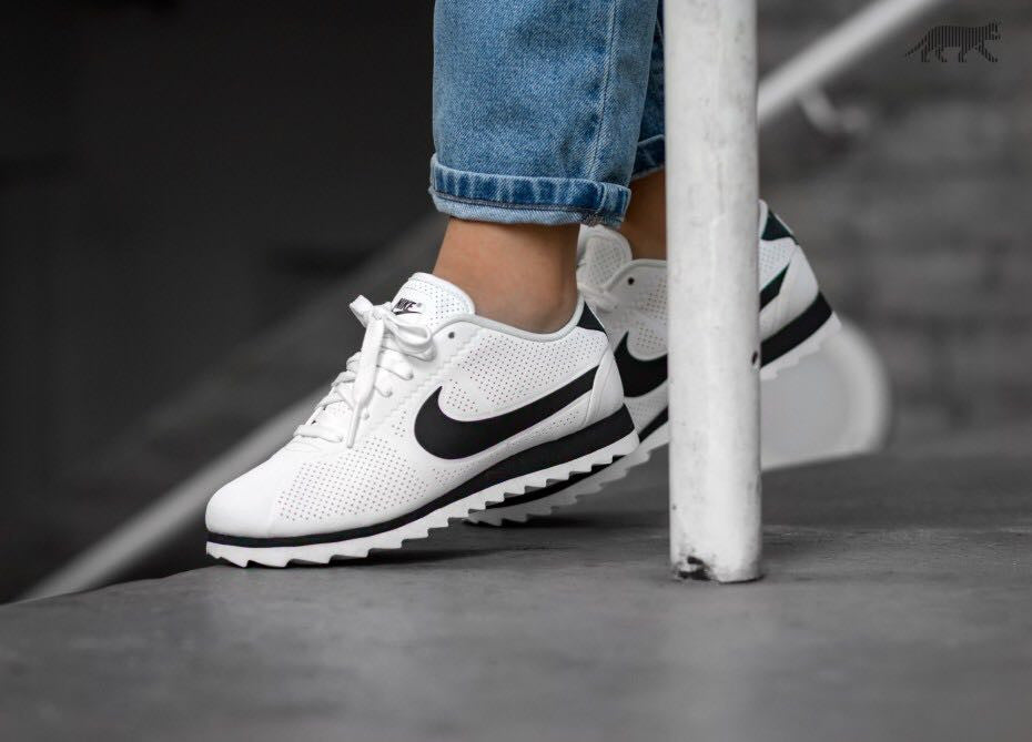 426acb8cb500 Nike Shoes white color  black – visit moda