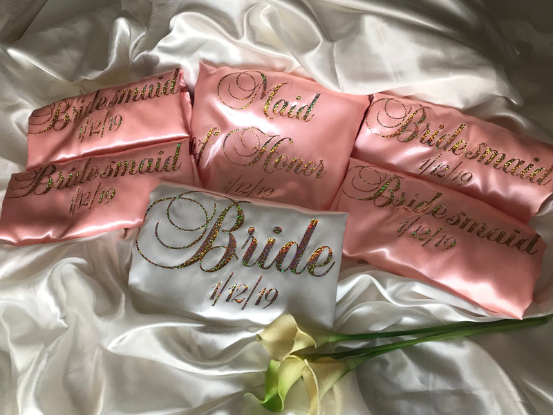 Bridesmaid Robes - luxurious satin robes in a set of 6.