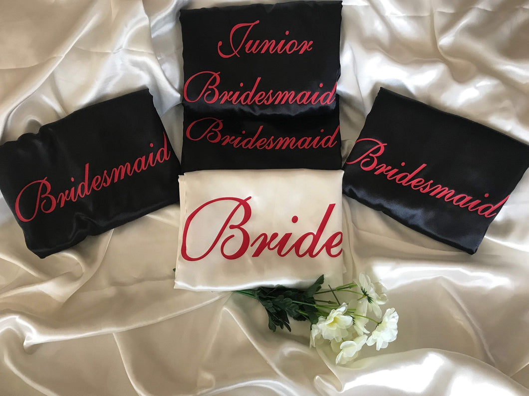 Bridesmaid Robes Set of 5 - White and Black with Red Print  -  Bridal Delights