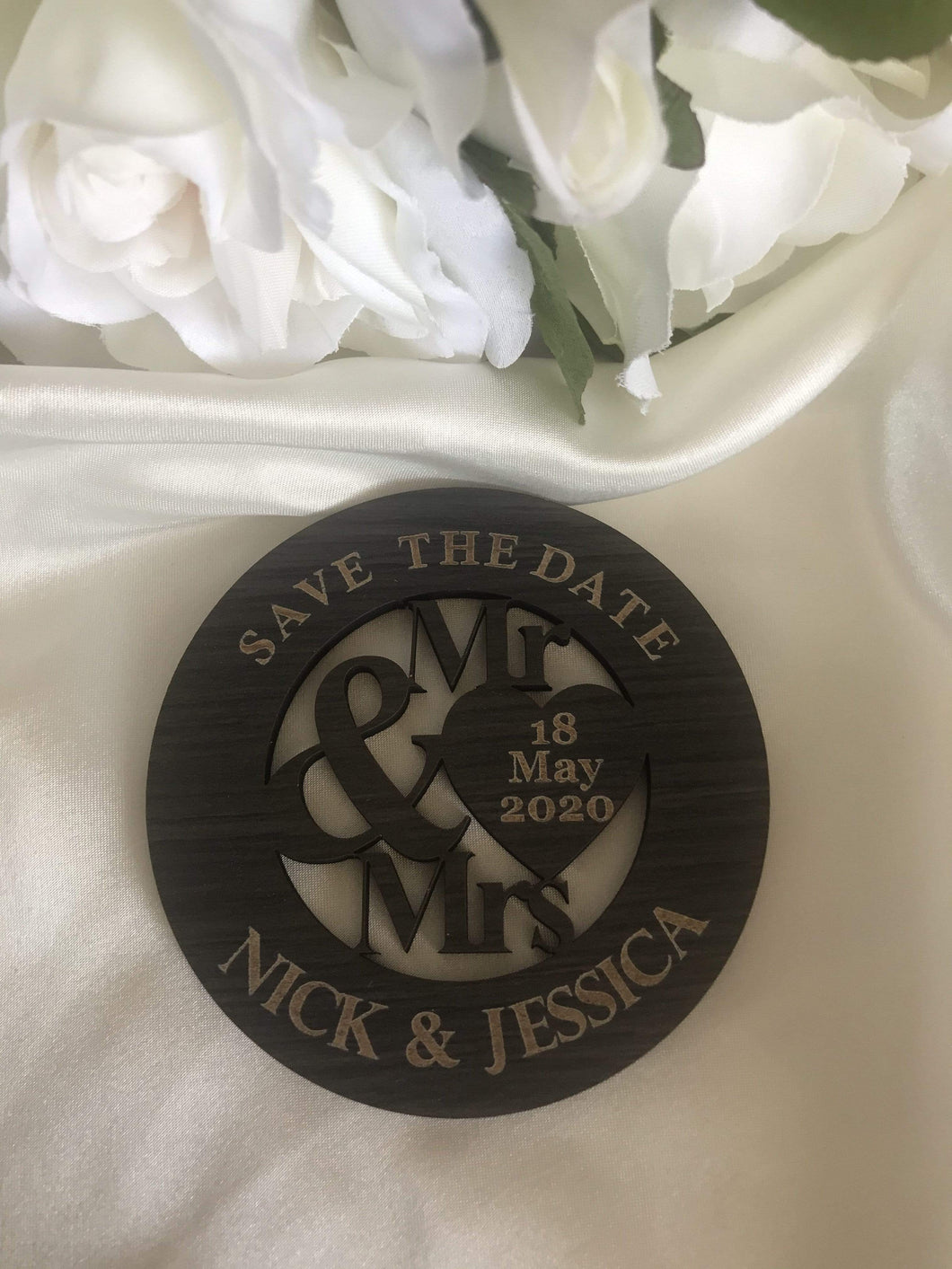 Save the date magnet - Mr & Mrs  -  Bridal Delights