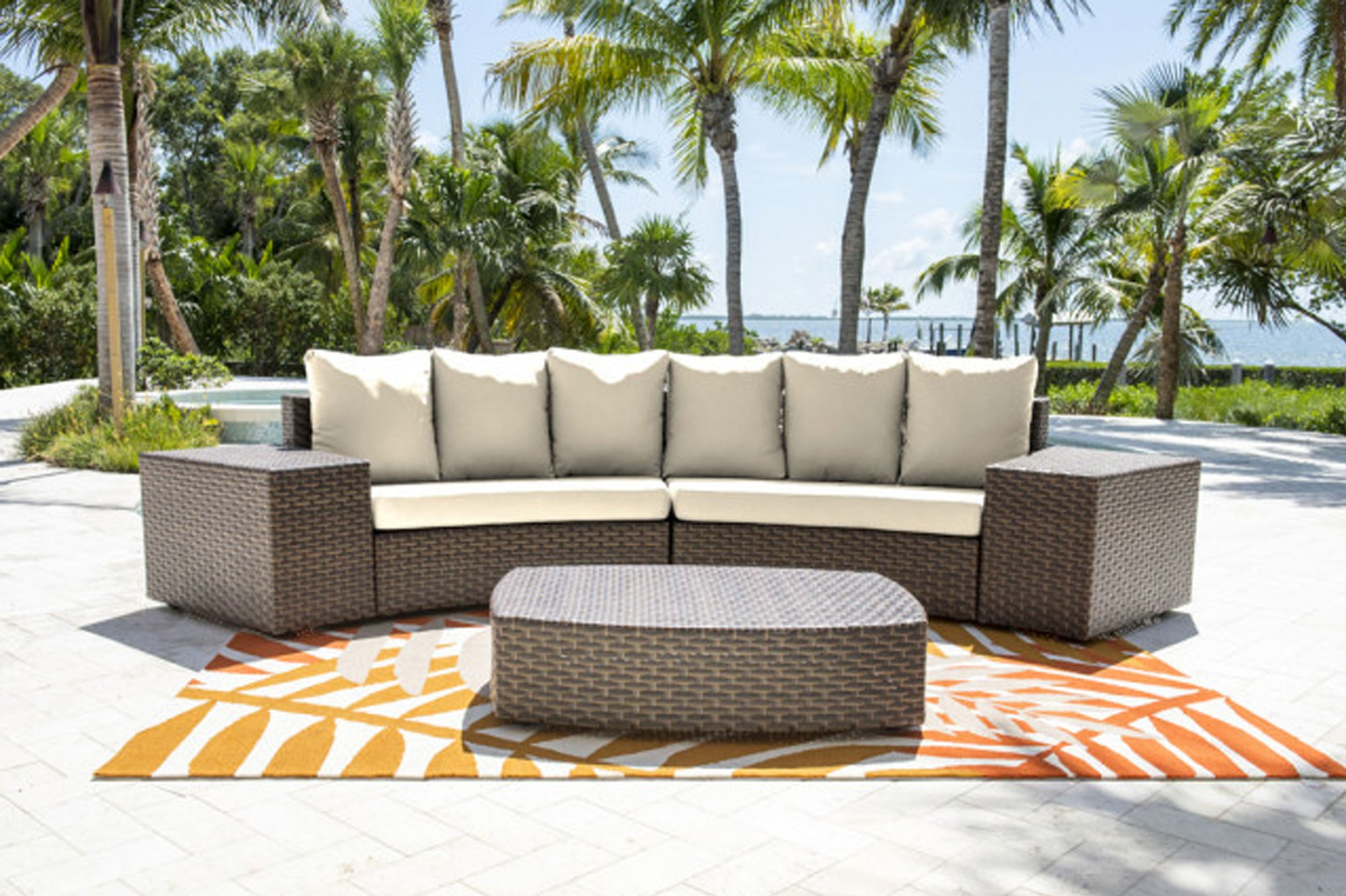 Big Sur 5 PC Sectional Set w/off-white cushions