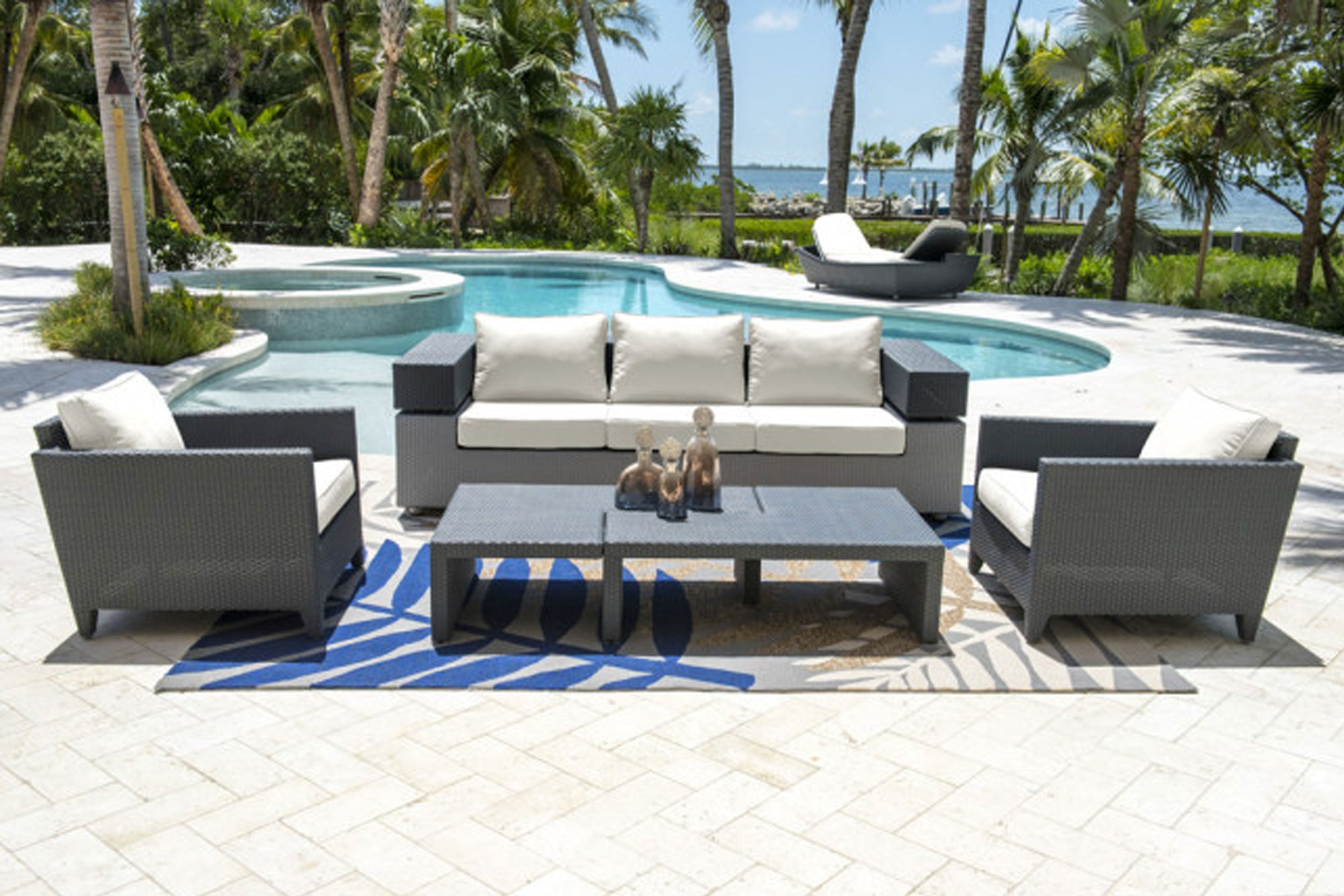 Onyx 5 PC Seating Set w/off-white cushions