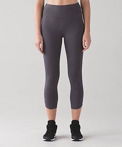 "Lululemon -  Hit It 21"" Crop (Dark Carbon) (LL01413)"