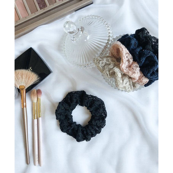 "Scrunchie ""Black lace"""