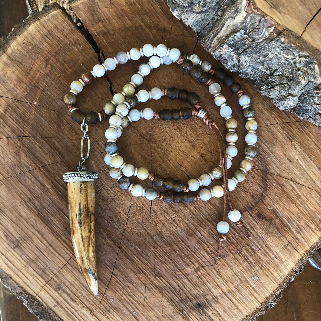 Bamboo Leaf Agate Tusk Necklace