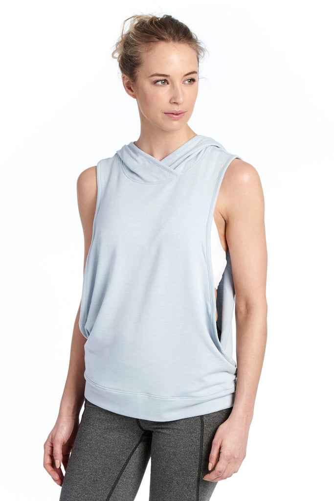 2cb4cfde222d4 Buy May Vest from Lole   Womens Tops – Lolë