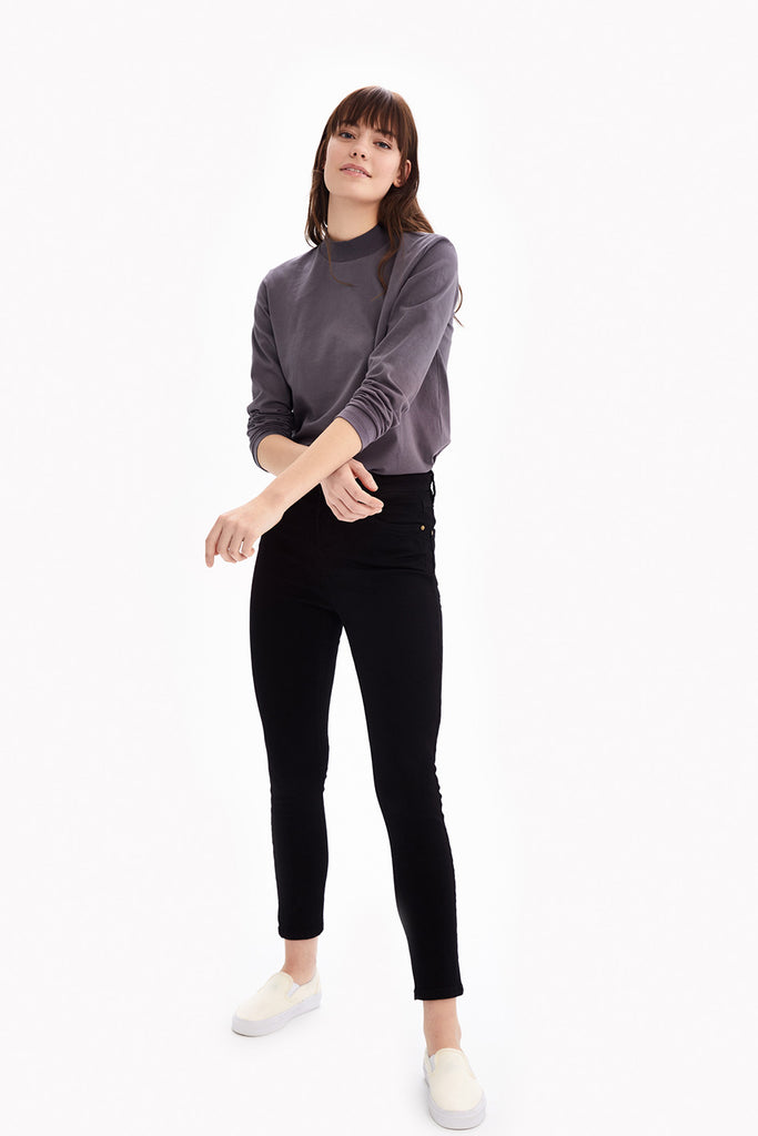 THE STANDARD LONG SLEEVE TOP