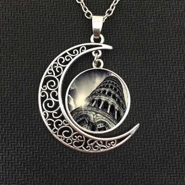 Luxurious Lune Pendant