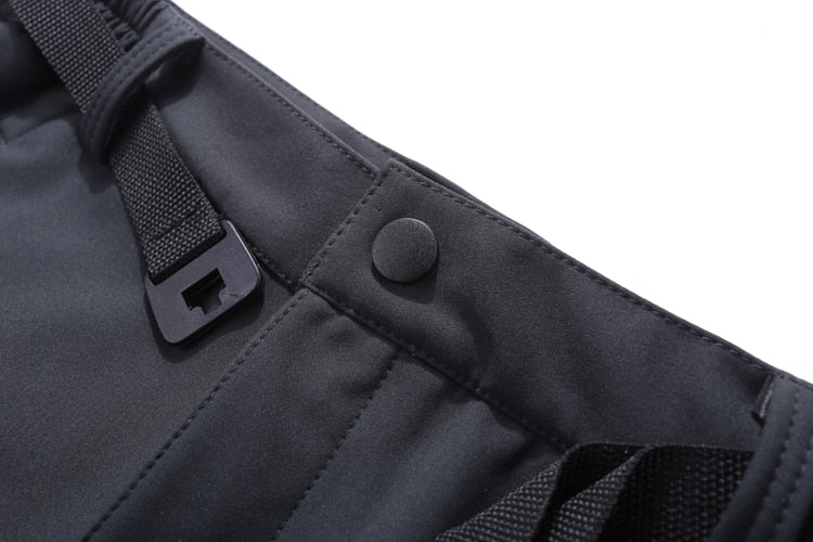 The belt of the Women's Waterproof Softshell Pants