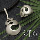 Efja smooth, curvy, solid silver, designer jewellery collection by Annika Rutlin
