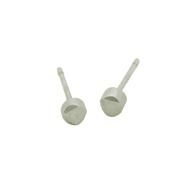 Cairn small stud earrings CAE20