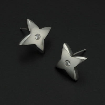 Aniara medium flower star diamond set stud earring SFE25D