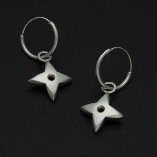 Aniara medium flower star sleeper earring SFE26P