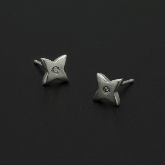 Aniara small flower star diamond set stud earring SFE21D