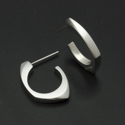 Cirque 3/4 hoop earrings CE70PL