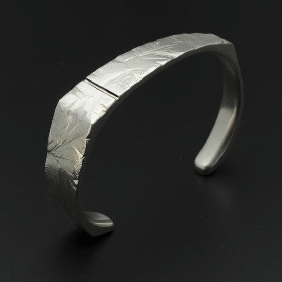 Ixion cuff bangle XB24