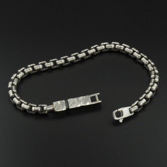 Ixion bracelet XB22