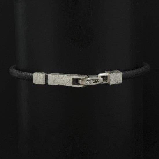 Ixion silver & leather bracelet XB23-LE