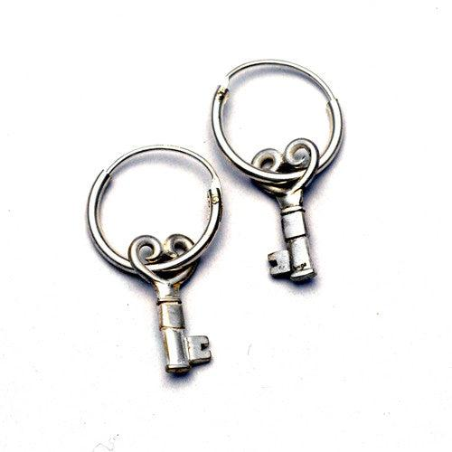 Amitie keys sleeper earrings KHE21