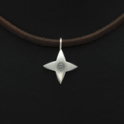 Aniara star flower diamond pendant on leather SFP41D-le