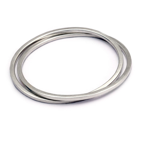 UB62 United double interlocked oval bangle