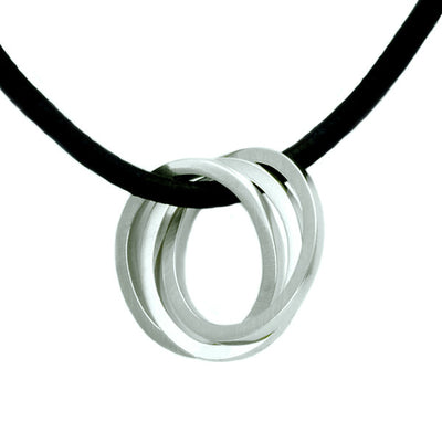 United interlocking circles pendant on leather UN44L