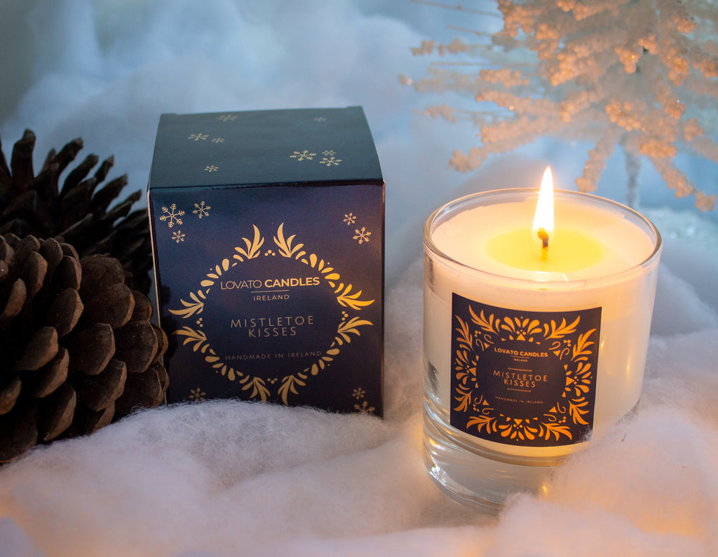 Clear Scented Candle with Luxury Box - Mistletoe Kisses