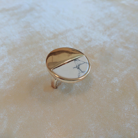 white casual big ring