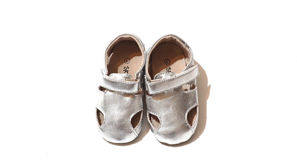 Skeanie Sunday Sandals | Silver