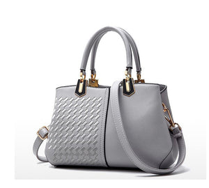 Women's Fashion - Luxury Handbag - Very Spacious!