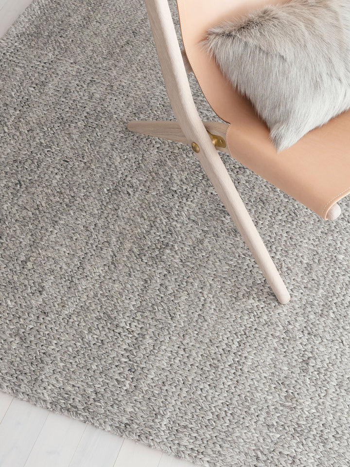 5 strategies to help you choose a rug for your home