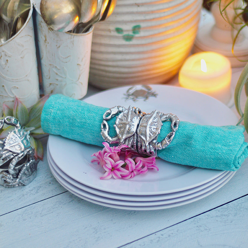 Napkin rings and napkin weights